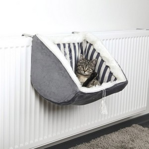 Cat Prince Radiator Bed